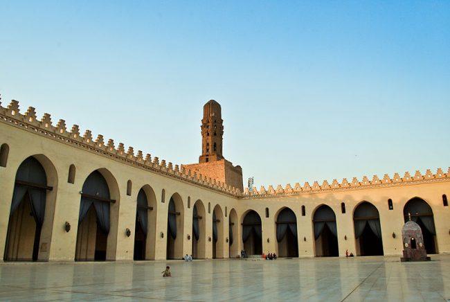 al-hakim_mosque-650x436